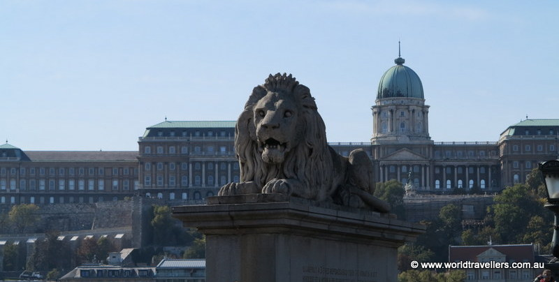 The lion who guards the bridge